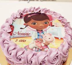 gâteau décoré impression alimentaire personnalisé docteur la peluche_1